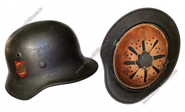 """SS-Polizei-Division Doppelabzeichen Stahlhelm M40 """"Q64"""""""