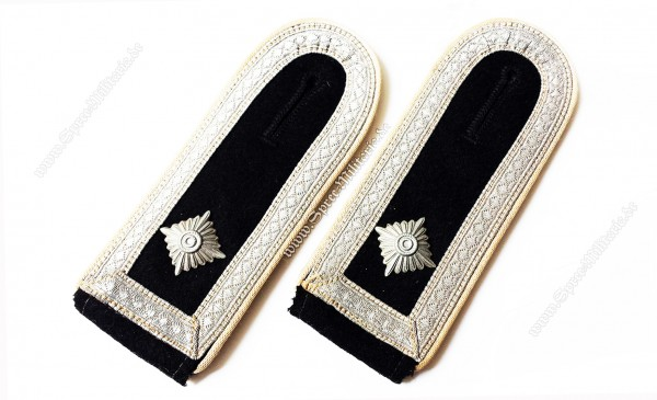 W-SS Shoulderboards Infantry NCO