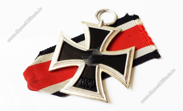 Eisernes Kreuz(1939) 2.Klasse am Band[13]