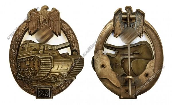 """Panzerkampfabzeichen in Silber mit Einsatzzahl 25 """"G.B."""""""