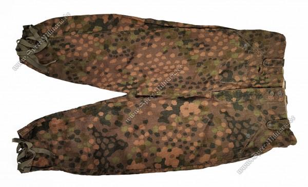W-SS Camouflage Dot Pattern/Erbsentarn Fieldtrousers M44