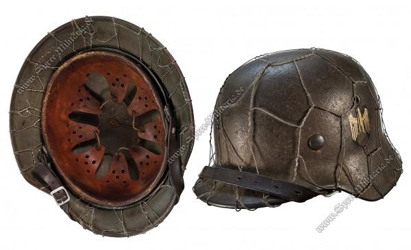 """Wehrmacht """"Chicken Wire"""" Steel Helmet M40 """"ET66"""""""