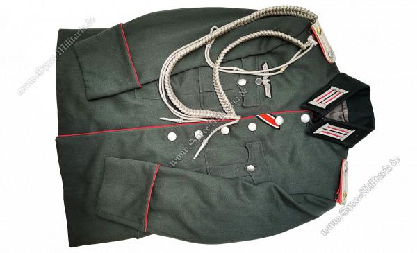 Wehrmacht Uniform/Feldbluse Panzer Oberleutnant