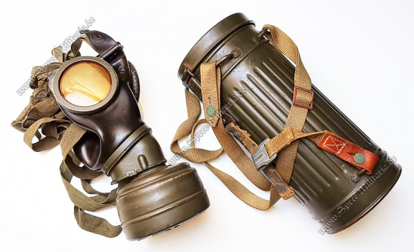 Wehrmacht/W-SS Gasmask M38/Container