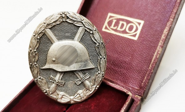 Silver Wounded Badge(1939) in Case